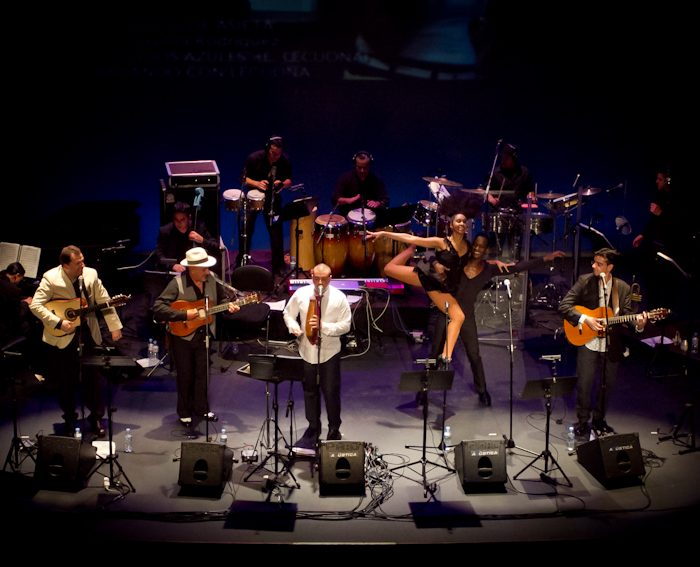 110325 Cultura. Música. Troveros de Asieta - 20 años. Teatro Leal. San Cristóbal de La Laguna © Aarón S. Ramos